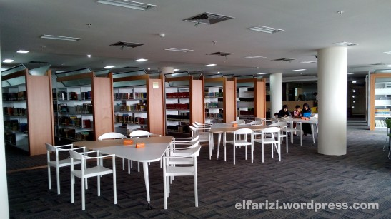 Ruang Baca Dewasa